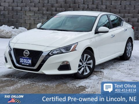 Pre-Owned 2019 Nissan Altima 2.5 S FWD 4 Door Sedan